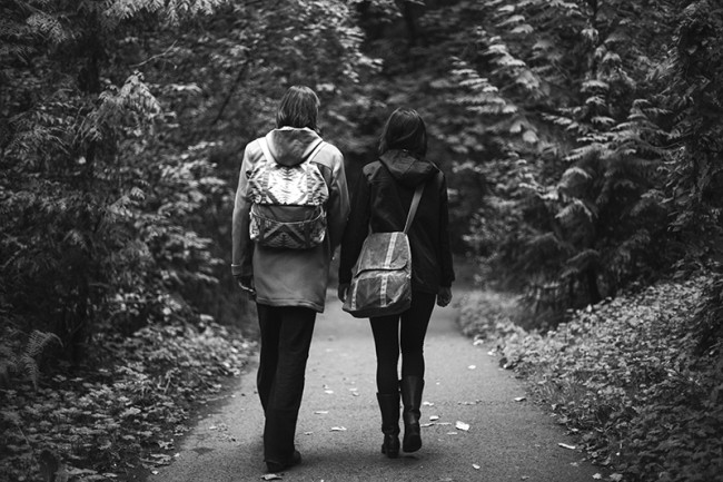 bags-walkingbw