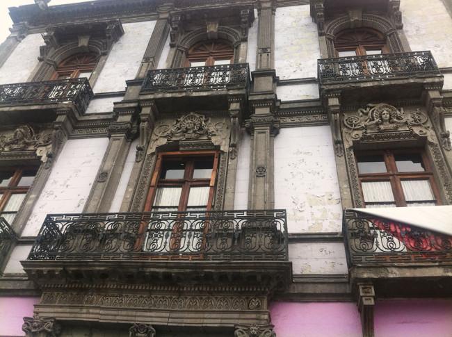 mexico-city-building-balconies