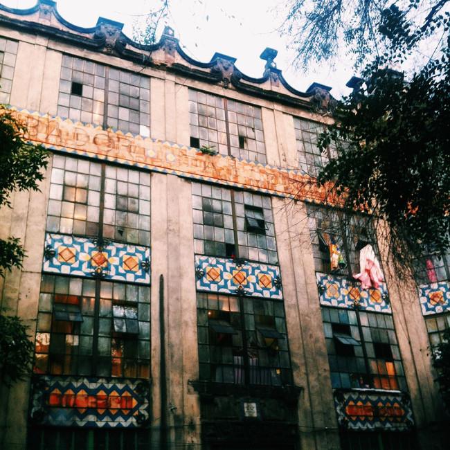 mexico-city-tile-building